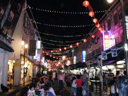 smith street as food street in singapore chinatown