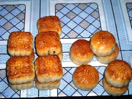 yangon chinatown mini mooncakes