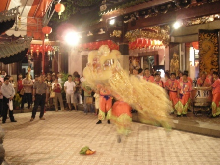 lion dance performance new years even at thian hock keng