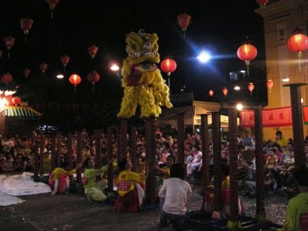 lion dance cholon
