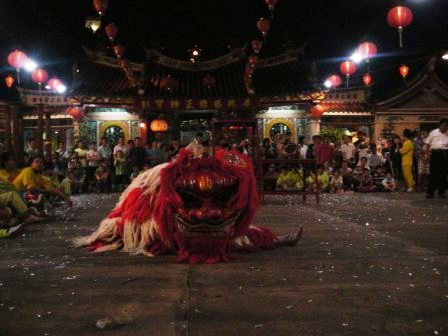 lion dance in cholon