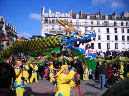 dragon dance in paris chinese new year parade
