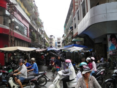 street in cholon chinatown