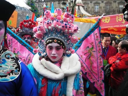 chinese new year parade in paris chinatown