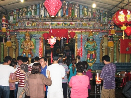 chinese devotees at the sri krishnan